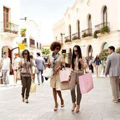 Dans ce city guide, je vous propose mes bonnes adresses : hôtels, restaurants et shopping à Barcelone.