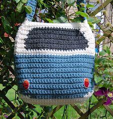 Campervan_shoulder_bag_-_back_view_garden_small
