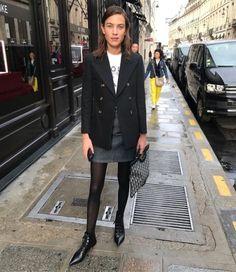 my style Alexa Chung trans-seasonal style staples Seasonal fashion Alexa Chung Seasonal fashion trans staples Style transseasonal Look Fashion, Winter Fashion, Girl Fashion, Fashion Outfits, Alexa Chung Street Style, Fitz Huxley, Looks Style, My Style, Street Looks
