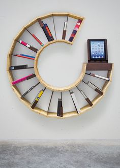 Modern bookcase can be a creative idea for part of room decoration. Bookcases can become one of most cool and modern design in your home decoration. Cool Shelves, Creative Bookshelves, Bookshelf Design, Bookshelf Ideas, Shelving Ideas, Round Bookshelf, Homemade Bookshelves, Bookcase Desk, Bookcase Storage