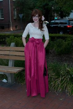 DIY: Ballgown skirt; this looks doable, and I have several lace tops that would look great with the fabric I got today!