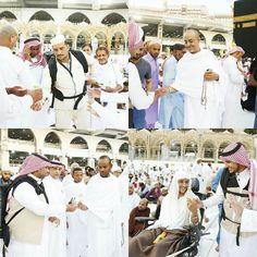 إدارة سقيا #زمزم تقوم بتوزيع عبوات ماء زمزم للصائمين في التاسع من شهر محرم