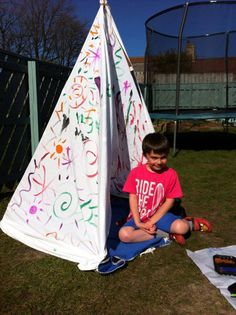 Create your own abstract art wigwam on a sunny day. Four lengths of cane tied together at the top and an old sheet wrapped around. Then let the little ones loose with poster paint and brushes!  www.thecoolrulecompany.co.uk