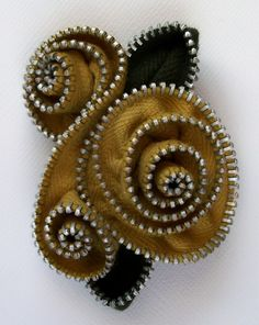 Zipper Flower Brooch from zip pinning