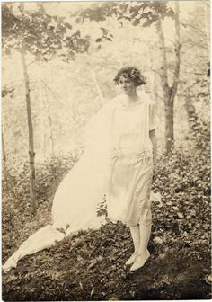 Mount Holyoke May Queen, 1922. (Mount Holyoke College Archives)