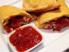 HEALTHY PIZZA POPS / CALZONES  GRAIN FREE &  gluten free. I have also provided options on how to make them dairy free, paleo, vegetarian and vegan.