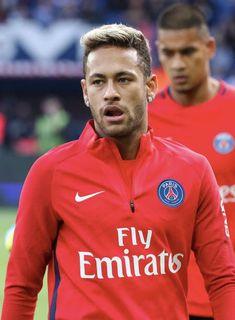 """Paris Saint-Germain's Brazilian forward Neymar looks on before the French L1 football match between Paris Saint-Germain and Bordeaux at the Parc des Princes stadium in Paris on September 30, 2017 "" #futbolneymar"