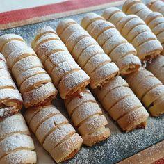 Elmalı Kurabiye Tarifi – Kurabiye – The Most Practical and Easy Recipes Apple Desserts, Homemade Beauty Products, Butter, Hot Dog Buns, Pasta Recipes, Donuts, Biscuits, Good Food, Fun Food