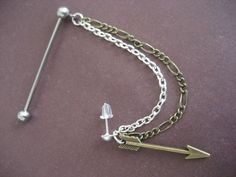 Industrial Piercing Barbell Bronze Arrow Head Upper Ear Cuff Chain Dangle Charm 14 G Gauge Bar Jewelry - OMG. Industrial Piercing Barbell Bronze Arrow Head Upper Ear Cuff Chain Dangle Charm 14 G Gauge - Piercing Tattoo, S Tattoo, Button Tattoo, Tattoo Arrow, Ear Jewelry, Body Jewelry, Jewelery, Jewelry Accessories, Diamond Jewelry