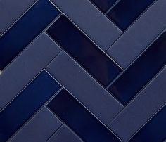 2x6 field tile in matte & gloss glazes create a Herringbone chevron pattern || Pratt and Larson Tile and Stone: Indigo, Navy, Midnight. Blue by any other name.
