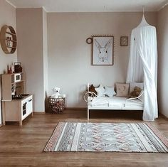 Room Decor Minimalist Inspiration - 34 Awesome Minimalist Room with Kids. Minimalist Kids, Kids Room Design, Little Girl Rooms, Kids Room For Girls, New Room, Kids Bedroom, Bedroom Ideas, Bedroom Wall, Bedroom Decor