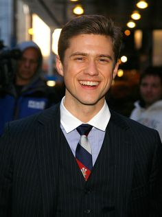 aaron <3 I don't know what it is with this stupid Tie, but I really love Aaron in it:))))