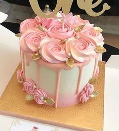 Creative Birthday Cake Ideas for Girls - Geburtstagskuchen - Kuchen Creative Birthday Cakes, Birthday Cake Girls, Creative Cakes, Birthday Cake With Roses, Flower Birthday Cakes, Birthday Cake Designs, 50th Birthday Cakes, Birthday Drip Cake, Elegant Birthday Cakes