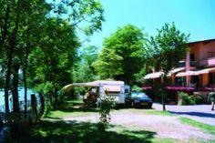 Campeggio Ranocchio te Italië | Camping Cheque - aangepast sanitair - Camping Ranocchio ligt aan de oever van het meer Del Piano, tegen de Zwitserse grens, in een natuurlijke oase op 280 m hoogte. Een ideaal uitgangspunt om toeristische en artistieke trekpleisters te bezoeken in de omgeving.