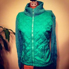 Green ski jacket  Seventies Vintage size small by SpaceModyssey
