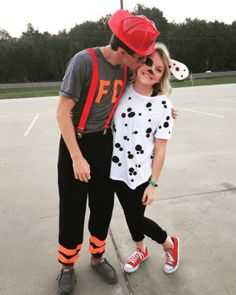 Couples Halloween Costumes: Firefighter & Dalmatian Dog Easy Couple Halloween Costume Ideas: 32 Easy Couple Costumes To Copy That Are Perfect For The College Halloween Party Halloween 2018, Easy Couple Halloween Costumes, Easy Couples Costumes, Original Halloween Costumes, Looks Halloween, Cute Halloween Costumes, Family Halloween, Halloween Couples, Group Costumes