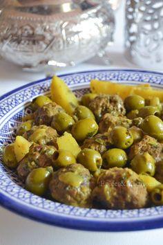 Tagine of kefta olives and potatoes Top Recipes, Whole Food Recipes, Healthy Recipes, Batch Cooking, Cooking Recipes, Morrocan Food, Algerian Recipes, Ramadan Recipes, Albondigas