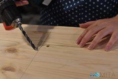 Cómo hacer una mesa para la máquina de coser   Momita's blog Butcher Block Cutting Board, Diy, Blog, Things To Make, Crafts With Pallets, Kids Clothes Patterns, Sewing Diy, Olive Tree, Wood Tables