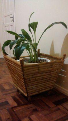 Cachepô de Bamboo Gigante. https://www.facebook.com/pages/Art-em-Bambu/488855574552532