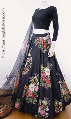 GARBA CHANIYA CHOLI 2019 Latest designer & custom-made Chaniya Choli's exclusively online.Browse our beautiful designer collection ! Available in the USA, Canada & Australia! Party Wear Indian Dresses, Designer Party Wear Dresses, Indian Gowns Dresses, Indian Bridal Outfits, Party Wear Lehenga, Indian Fashion Dresses, Dress Indian Style, Indian Designer Outfits, Lehenga Choli Designs