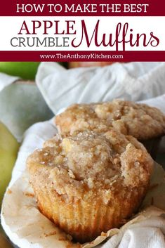 Make quick Apple Muffins with an easy crumb topping of oatmeal and sugar, and get tips for freezing your muffins for make-ahead mornings on the go! Make quick Apple Muffins with an easy crumb topping of oatmeal and sugar, and get tips for fre Quick Apple Dessert, Apple Desserts, Easy Desserts, Apple Crumble Muffins, Apple Cinnamon Muffins, Easy Apple Muffins, Mini Muffins, Muffin Recipes, Snack Recipes