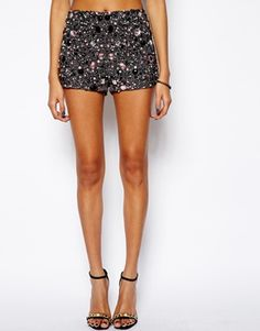 4 Knicker with sequins and jewelery from ASOS