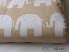 Słonie na beżu