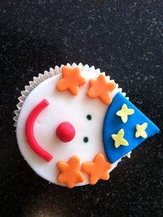 Cup cake clown