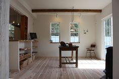 おうちでお料理教室もできるようにとレイアウトされた大きなキッチンのあるナチュラル2世帯住宅