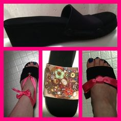 My OneSole shoes!  The sole came with a black top, the screen print top has Swarovski crystals for a touch of bling.  I chose a pink ribbon to highlight the Espadrilles top, but I chose to display it with a pink ribbon 2 ways.  I love that I have all this versatility in 1 shoe!