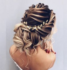 Oh So Perfect Curly Wedding Hairstyles ★ curly wedding hairstyles textured elegant updo with loose curls elstilela Wedding Party Hair, Loose Wedding Hair, Romantic Wedding Hair, Wedding Bride, Wedding Dresses, Prom Hair Updo, My Hairstyle, Brunette Hairstyles, Prom Updo Hairstyles