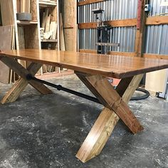 Over the last couple days in the IG community of woodworkers there's been a lot of reflection. A look back to favorite projects of the 2017 year. Here's my submission to the unspoken list. By far my favorite project of the year and probably the heaviest of the year. 2017 you were great but 2018 hold on cause I'm gonna take you for a ride. #Regram via @insidethekerf