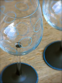 pretty circles on hand painted chalkboard glasses from chic chalk designs