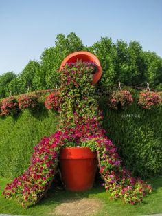 Beautiful flowers art in Dubai miracle garden