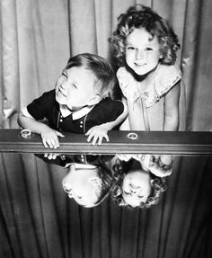 Shirley Temple with Baby LeRoy circa 1934 Child Actresses, Actors & Actresses, Hollywood Actresses, Old Hollywood, Classic Hollywood, Gifted Kids, Bright Eyes, Cute Little Girls, Photo Tutorial