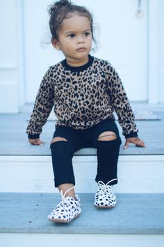 Wild style with a warm sweatshirt for a toddler girl, a gorgeous leopard print…
