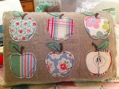 Appley Dappley Cushion   Flickr: Intercambio de fotos