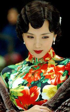 ☆ Old Shanghai style - Qipao 旗袍 Oriental Fashion, Asian Fashion, Fashion Moda, Look Fashion, 30s Fashion, Ladies Fashion, Geisha, Old Shanghai, Shanghai Girls