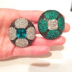 JAR earrings featuring an 8.50-carat diamond and a 11.24-carat emerald