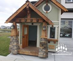 Love this playhouse by @charmedplayhouses at the @ashcrofthomes show home. It features our Frontier Ledge (Color: Rustic Suede)⠀ -----⠀ www.KodiakMountain.com ⠀ -----⠀ #KodiakMountainStone⠀ ⠀ Parade Of Homes, Play Houses, Architecture Design, Shed, Mountain, Outdoor Structures, Cabin, Rustic, Stone