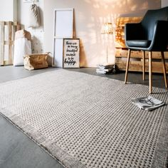 spash your living spaces with fun and frolic with our Savannah Light Grey Rug. Price deals like never before. Free and fast UK delvery . Grey Rugs, Luxor, Savannah Chat, Pattern Design, Living Spaces, Master Bedroom, Simple, Modern, Designer Rugs