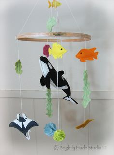 Orca Whale Wonderful Felt Mobile by BrightlyHude on Etsy Baby Crafts, Cute Crafts, Felt Crafts, Crafts For Kids, Arts And Crafts, Baby Mobile Felt, Baby Mobiles, Felting Tutorials, Cute Toys