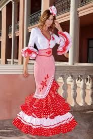 "A very stylish Flamenco feria dress. The embroidery and ""fajin"" corset belt really complete the look Lace Dress Styles, Nice Dresses, Dresses Dresses, Floral Maxi Dress, Dress Skirt, Cute Fashion, Trendy Fashion, Flamenco Costume, Flamenco Dresses"