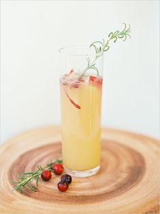 Sparkling Ginger Pear Cranberry Cocktail http://www.weddingchicks.com/2013/12/25/artisanal-cocktail-recipes/
