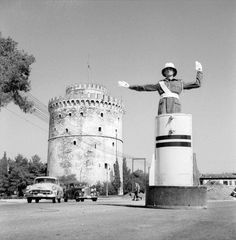 White Tower of Thessaloniki Greece Pictures, Old Pictures, Old Photos, Vintage Pictures, Macedonia Greece, Athens Greece, Greece Thessaloniki, History Of Photography, Street Photography