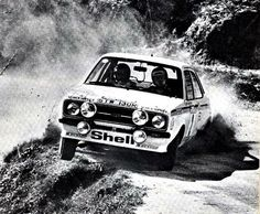 Waldegård / Thorselius works Ford Escort STW 130R - Rally Portugal 1977