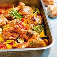 Hähnchenkeulen auf Ofengemüse Rezept | Küchengötter