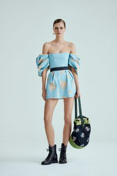 Ulyana Sergeenko, Ready-To-Wear, Москва Fashion Show, Fashion Outfits, Womens Fashion, Fashion Trends, Ulyana Sergeenko, Vogue Russia, Editorial Fashion, Ready To Wear, Strapless Dress
