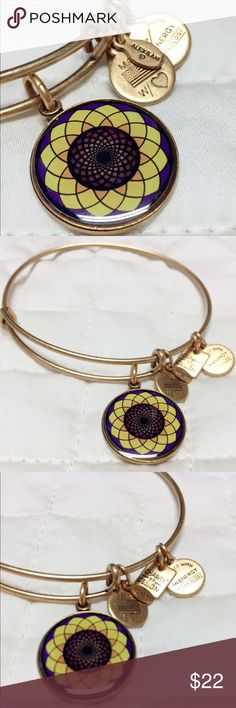 🌻 Alex & Ani Sunflower Bangle 🌻 From the charity by design collection. Beautiful gold bangle. In perfect condition. Thank you for looking!! Alex & Ani Jewelry Bracelets