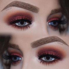 Prueba tonalidades diferentes en tus ojos #MakeupGeek #Eyes #Sombras